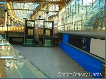 Disused_Waterloo_International_concourse_-_geograph.org.uk_Attribution_Stacy Harris_Creative Commons Attribution-Share Alike 2.0 Generic license.